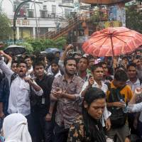 Mass protests over traffic deaths paralyzing Dhaka