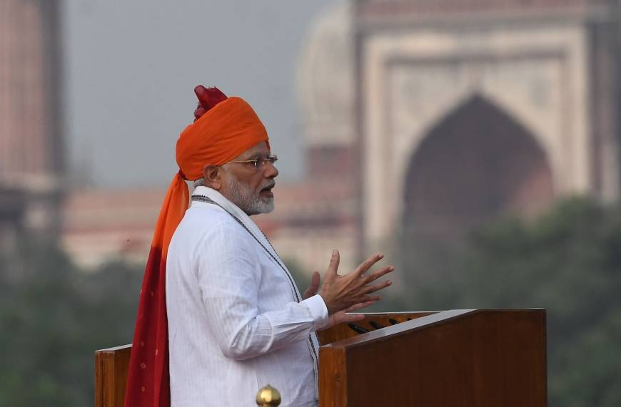 Modi says India will send manned flight into space by 2022