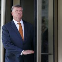 U.S. judge gives partial win to prosecution ahead of Paul Manafort's second trial