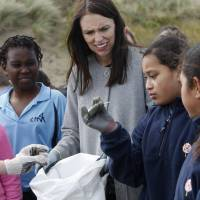 New Zealand bans single-use plastic bags