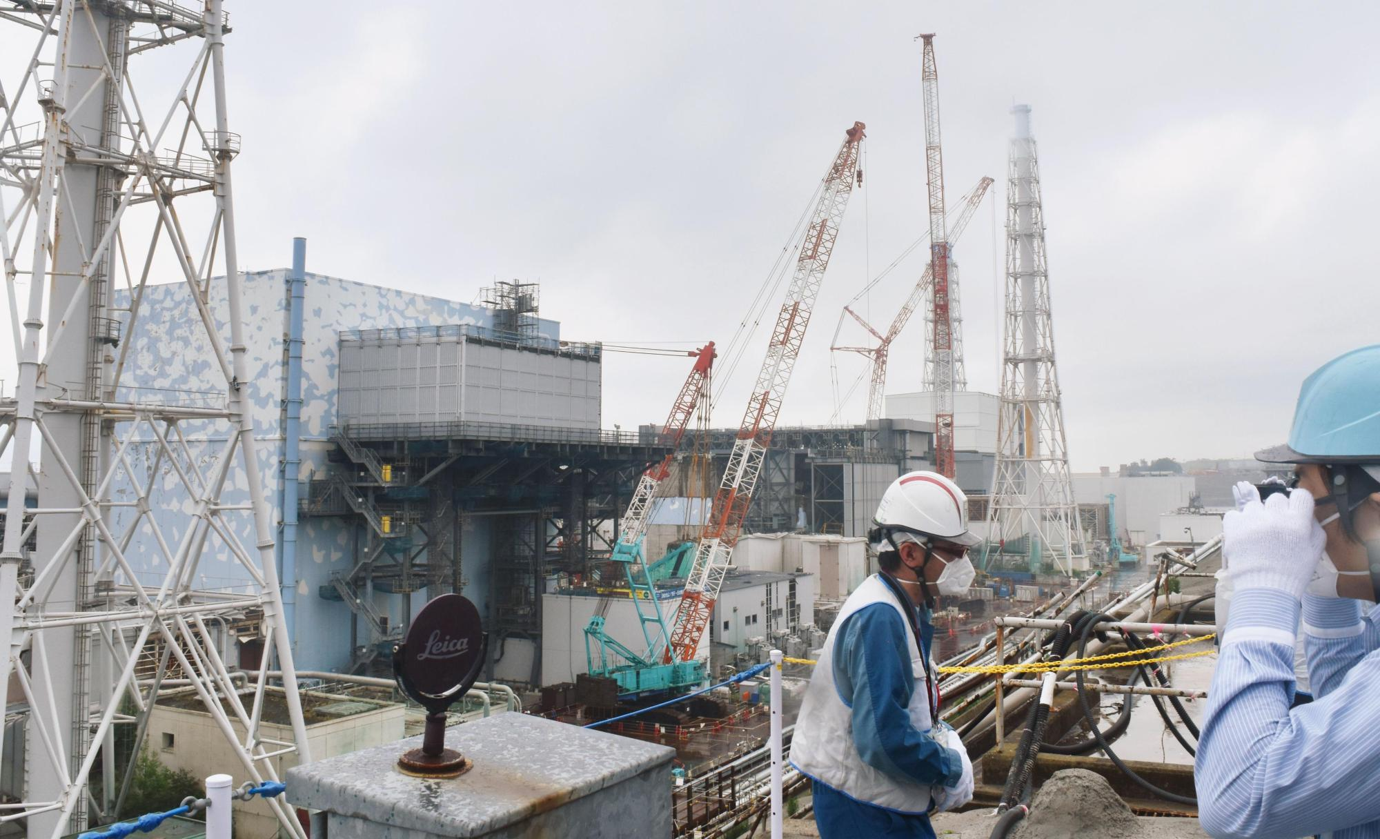 Decommissioning work continues at the Fukushima No. 1 nuclear power plant owned by Tokyo Electric Power Company Holdings. | KYODO