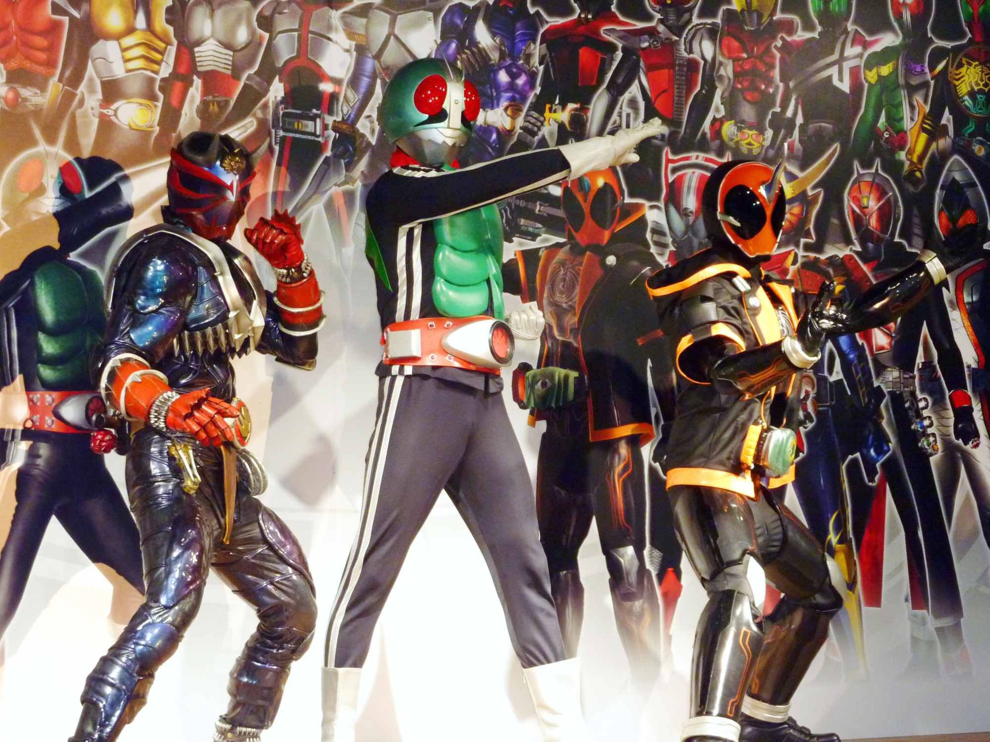 TV superhero Kamen Rider has topped a list of Japanese heroes people admired in their childhoods.   KYODO