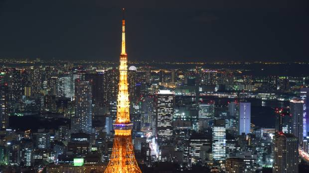 TELL climb of Tokyo Tower aims to start dialogue on suicide prevention