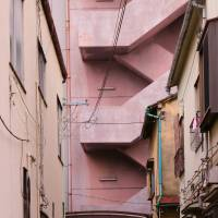 Well worn: The endearing buildings and alleyways of Narihira. | KIT NAGAMURA