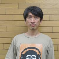Personal stories: Dramatist Hideto Iwai has found that audiences respond well when he inserts elements of his own life experience into his productions.   NOBUKO TANAKA