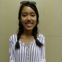 Ivy Zhang, Student, 20 (American): Drink lots of water, dress appropriately, find good buildings with air conditioning, walk under the shade of trees and, finally, don't go outside. In Boston, where I study, it's so hot and very humid, but because of the sea wind, in the evening and in the morning it's a bit cooler than Tokyo. It is almost unnecessary to use the AC except on hot days.