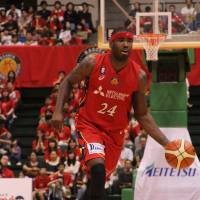 Diamond Dolphins star Justin Burrell helps Overseas Elite capture summer hoop crown