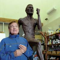 Statue honoring 1964 Olympic icon Billy Mills needs home
