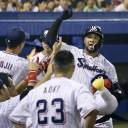 Swallow star Wladimir Balentien had hit 246 home runs, including 29 this year, before Sunday's game against the Hanshin Tigers.