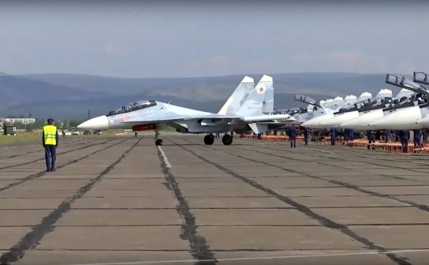 Russia launches biggest war games in decades