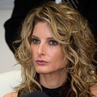 Summer Zervos attends a press conference with her attorney, Gloria Allred, about her lawsuit against then President-elect Donald Trump, in Los Angeles in January 2017. U..S President Donald Trump will provide sworn written responses in a defamation suit filed by Zervos, who accused him of groping her, according U.S. media reported Sunday. | AFP-JIJI