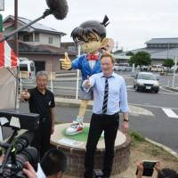 Conan O'Brien's showdown in Japan's 'Conan Town' ends peacefully after 1,000-hamburger barbecue
