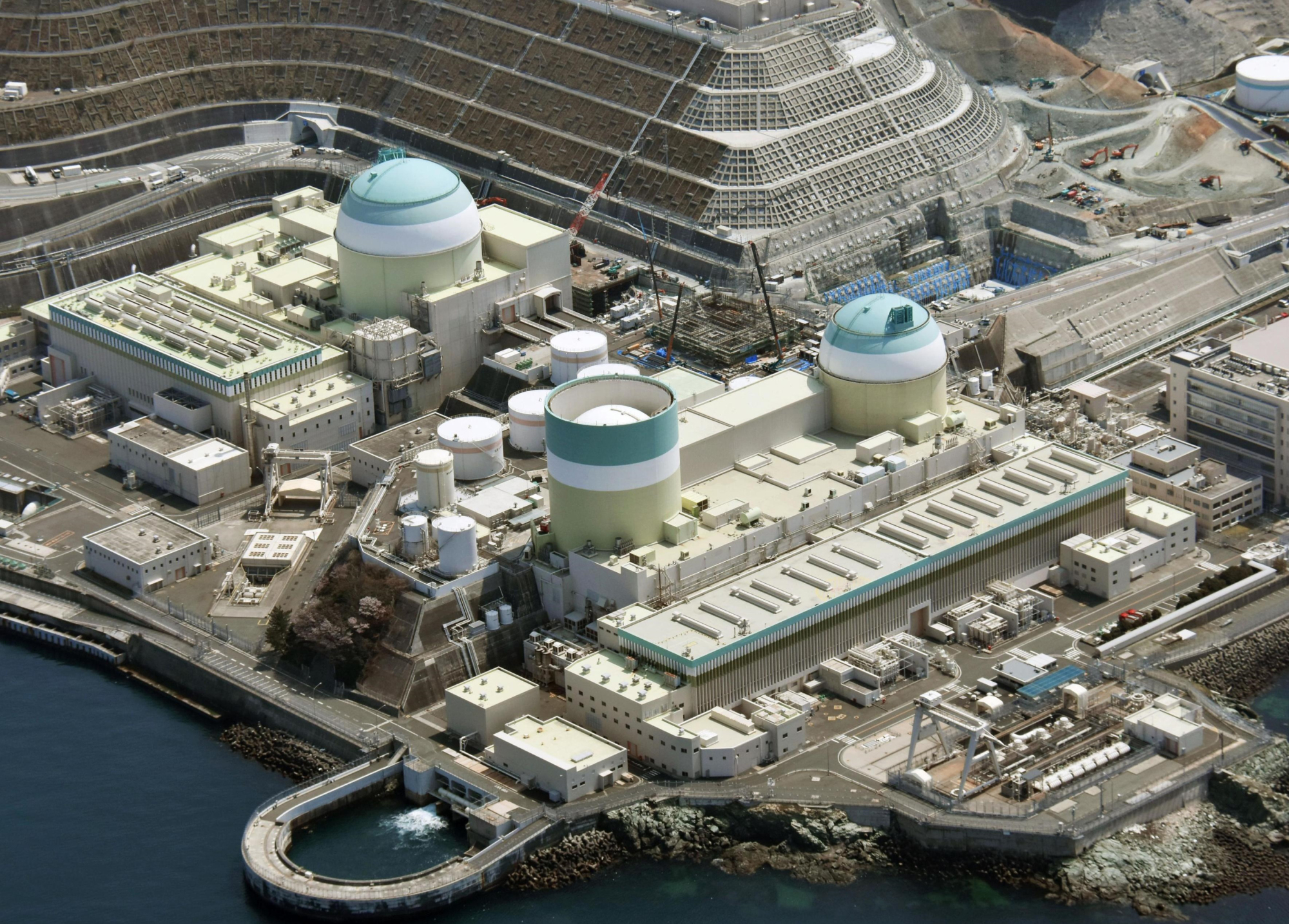 Shikoku Electric Power Co.'s Ikata nuclear power plant is seen in Ehime Prefecture. | KYODO