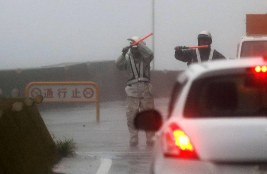 A road in Kushimoto, Wakayama Prefecture, is closed as Typhoon Jebi passes over the area Tuesday.