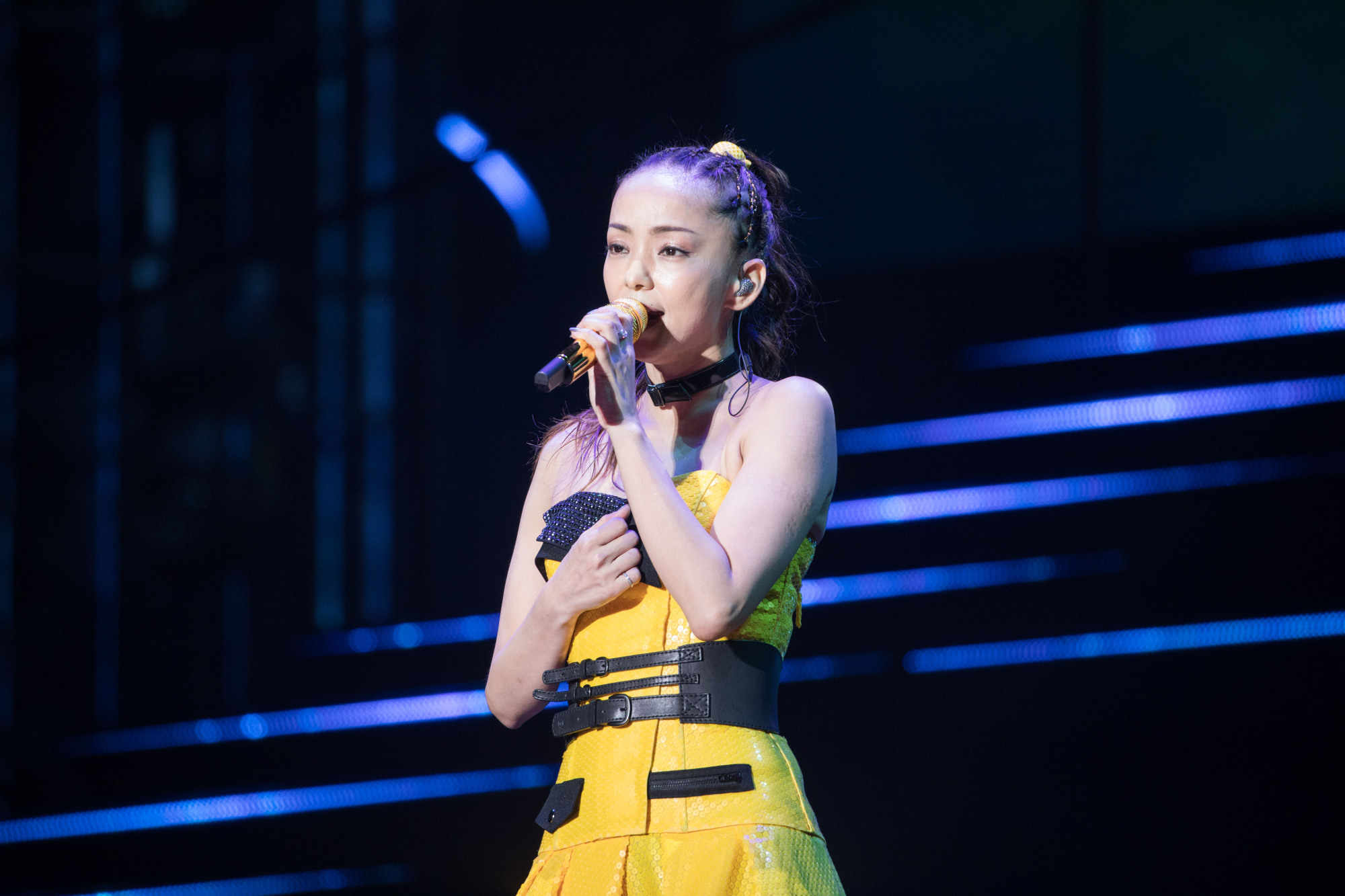 Farewell tour: Namie Amuro performs during a concert in Shenzhen, China, in March ahead of her retirement. The star officially retires on Sept. 16. | LI LEWEI — IMAGINECHINA