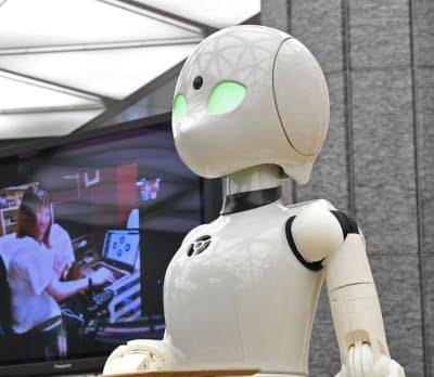 'Avatar robot' cafe opens up new job opportunities to ALS patients