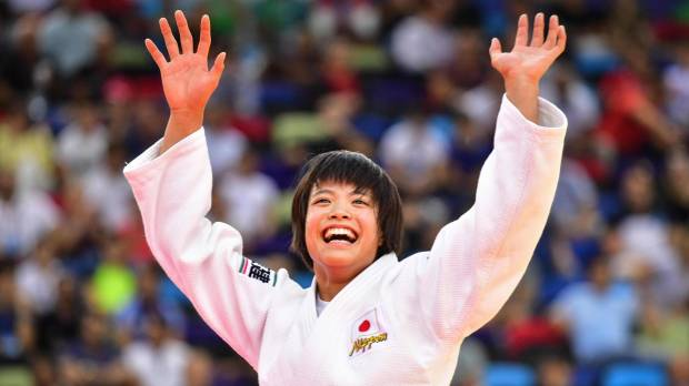Abe siblings capture gold medals on same day at world championships