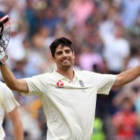 England's Alastair Cook to retire from international cricket after India series