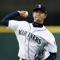 Hisashi Iwakuma leaving Mariners to continue career in Japan