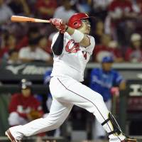Stellar pitching, early home runs propel Carp past BayStars