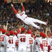 Carp rout Swallows to clinch third straight Central League pennant