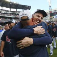 Braves beat Phillies, capture first division title since 2013