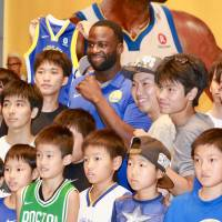 Golden State Warriors star Draymond Green draws crowds in first Japan visit