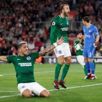 Last-gasp equalizer gives Brighton draw at Southampton