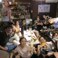 Choco Monaka Jumbo giveaway campaigns were held at three Shukuba Japan guesthouses this summer in hopes that they would help guests cool down after a day out in the intense heat.   MORINAGA & CO. LTD.