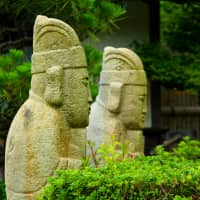 Looking back on history: Korean-style statues in Shotoen garden on the island of Shimokamagari. | ANGELES MARIN CABELLO