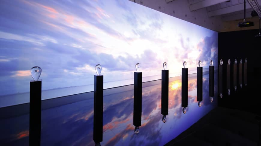 The 'Approach to Time.' installation designed by Takt Project involves 12 acrylic objects and stunning movie footage projected on the screen behind. | GRAND SEIKO