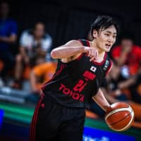 Alvark Tokyo guard Daiki Tanaka is seen in action against Iranian opponent Petrochimi in the FIBA Asia Champions Cup final on Tuesday in Nonthaburi, Thailand. Tanaka scored 28 points in the Alvark's 68-64 defeat. | FIBA