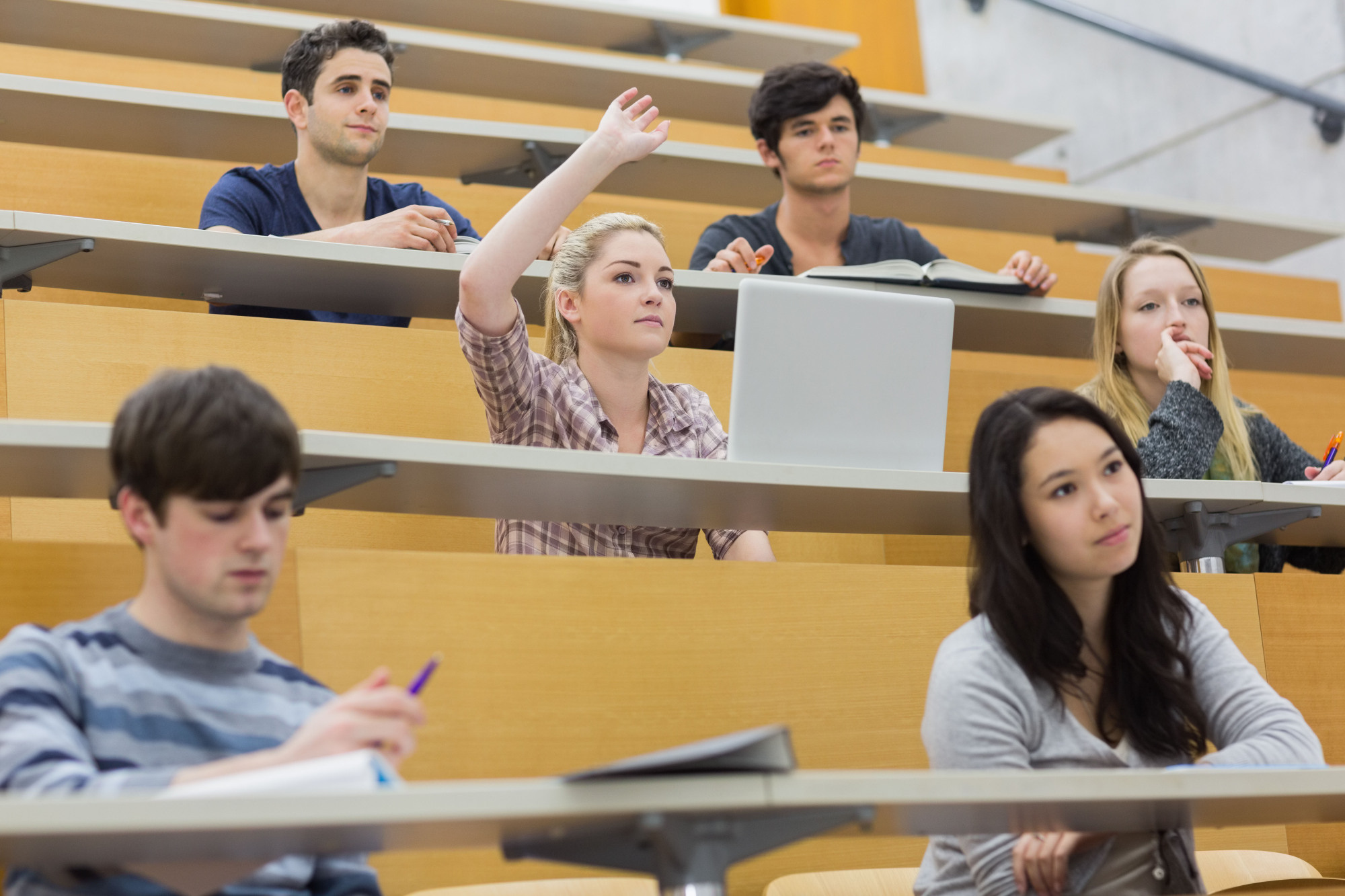 Japanese universities are increasing the number of English-only degree programs in order to attract foreign students. The Japanese government has set the goal of achieving 300,000 foreign students by 2020. | GETTY IMAGES
