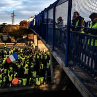 France braces for economic blow from 'yellow vest' protests