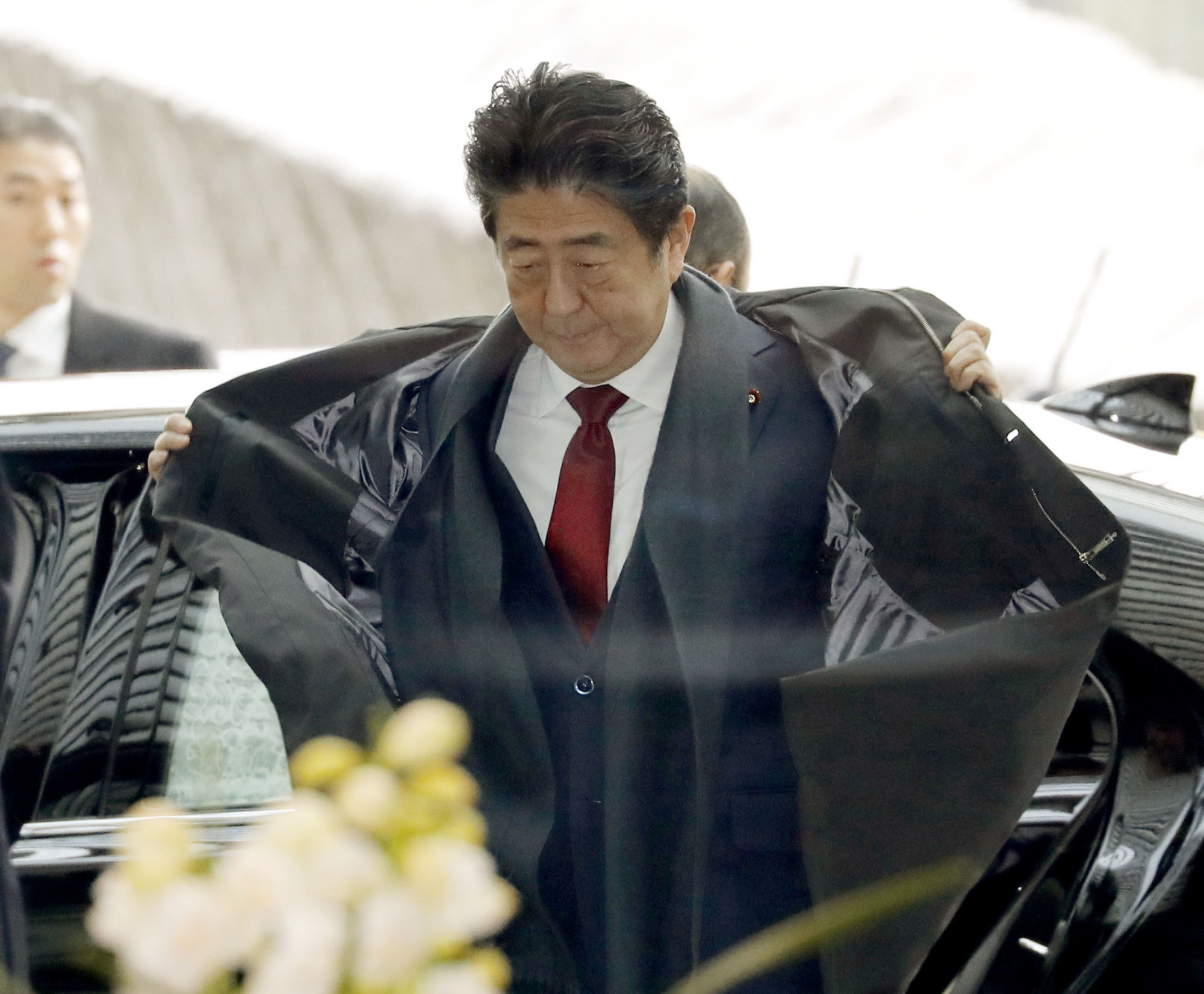 Prime Minister Shinzo Abe's Liberal Democratic Party marked a 7.2 percent increase in revenue from the previous year in 2017, remaining at the top of the list for five straight years, data released Friday has shown. | KYODO