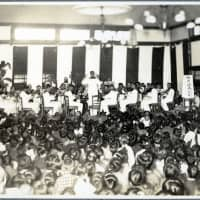 Prisoners perform in an orchestra at the German and Austro-Hungarian camp in Bando, Tokushima Prefecture. | COURTESY OF THE GERMAN INSTITUTE FOR JAPANESE STUDIES
