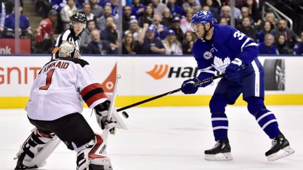 Maple Leafs' Patrick Marleau gets 600th career assist in rout of Devils