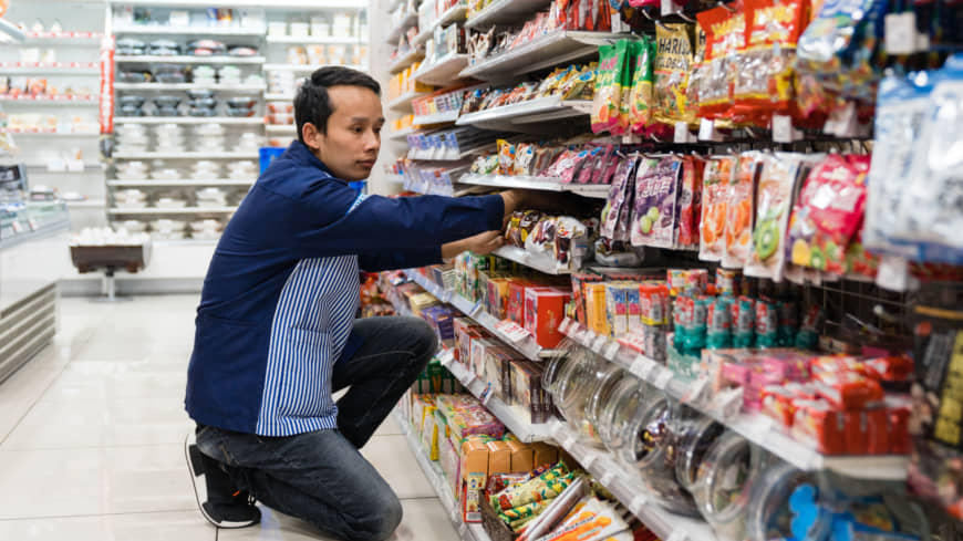 Irasshaimase!: Foreign-born clerks are becoming a familiar sight at convenience stores nationwide, but is Japan ready to welcome them?