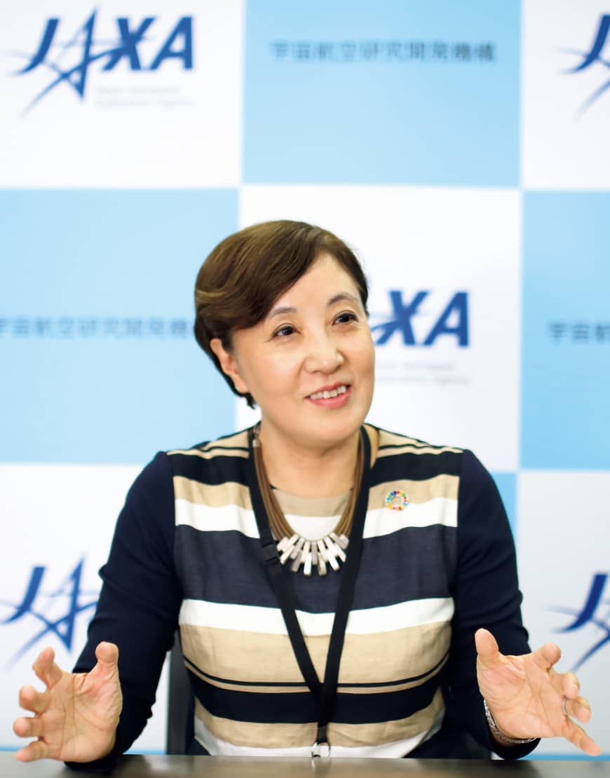 Akiko Suzuki, director of public relations at the Japan Aerospace Exploration Agency, has been active for many years in promoting the full utilization of data obtained by the agency