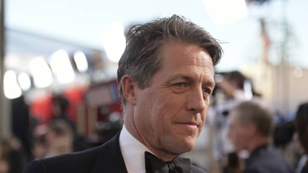 Actor Hugh Grant appeals on Twitter for return of script stolen from his car