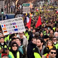 French 'yellow vest' protests, in 10th week, relatively peaceful