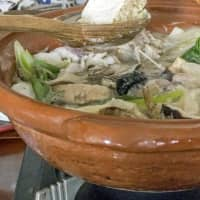 The ideal dish for winter: Hot pot is warm, comforting and healthy. | MAKIKO ITOH