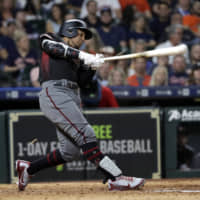 White Sox land outfielder Jon Jay, continue pursuit of Manny Machado