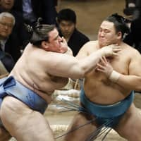 Tamawashi put on thrilling show during run to first title