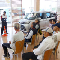 Elderly drivers attend a road safety class in Matsuzaka, Mie Prefecture, in May 2017. | KYODO