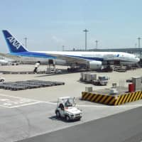 Japanese carriers have been under fire over alcohol consumption by pilots in recent months. | KYODO
