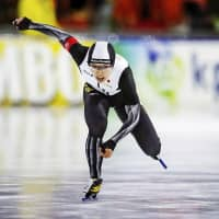 Nao Kodaira sprints to top of standings at worlds