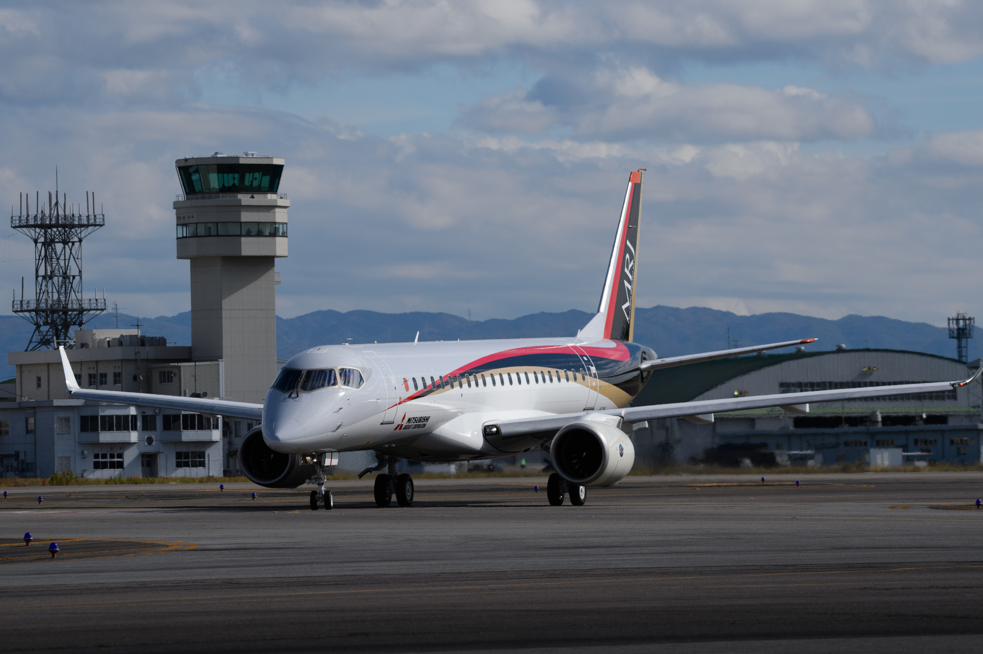Mitsubishi Aircraft Corp. said its regional passenger jet has started safety test flights in the United States. | BLOOMBERG