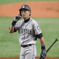 Seattle's Ichiro Suzuki steps into the batter's box in the second inning on Thursday.   KYODO
