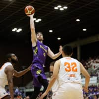 Sunrockers cruise past Albirex